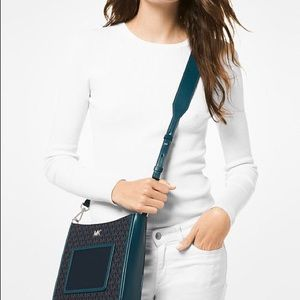 MK Signature Gloria Pocket Swing Pack Crossbody